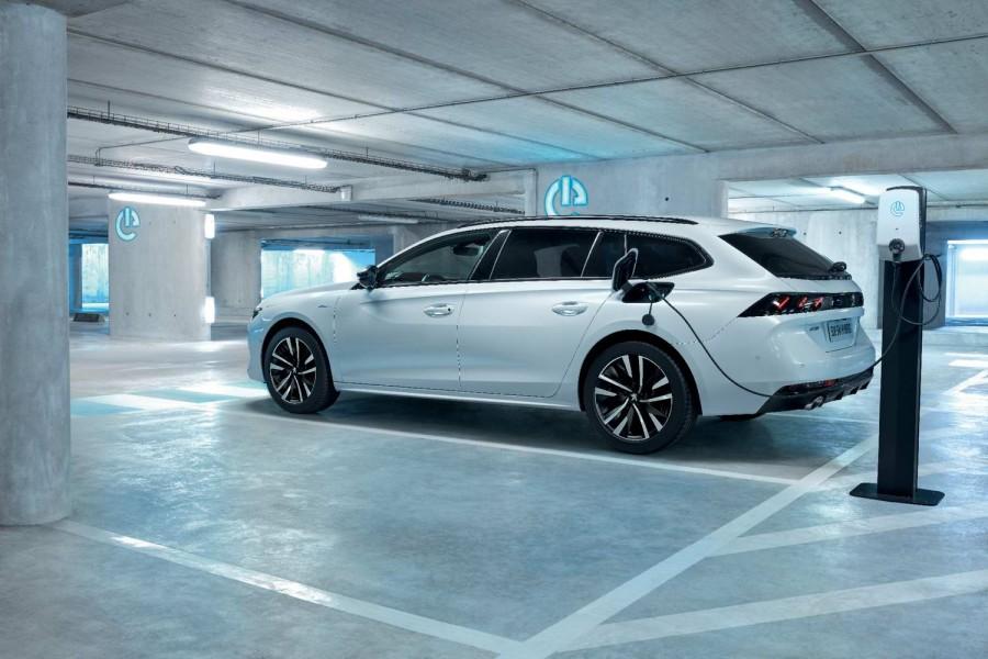 Car News | Peugeot announces 225hp 508 PHEV | CompleteCar.ie