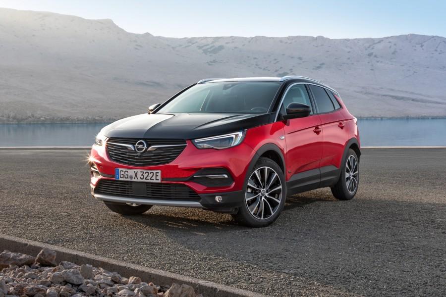 Car News | Opel Grandland X Hybrid4 | CompleteCar.ie