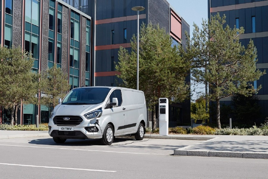 Car News | Ford shows off new Transit | CompleteCar.ie