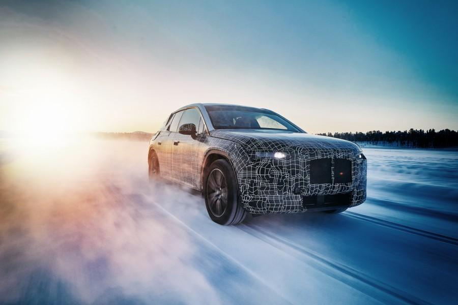 Car News   BMW i4 electric saloon   CompleteCar.ie