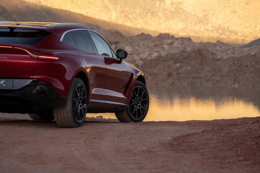 Car News   Aston Martin DBX 4x4 finally unveiled   CompleteCar.ie