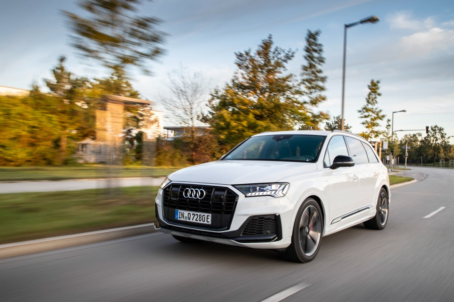 Car News | Audi launches two Q7 PHEVs | CompleteCar.ie