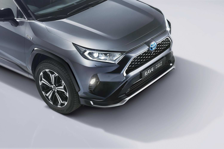 Car News   Toyota RAV4 hybrid goes plug-in   CompleteCar.ie
