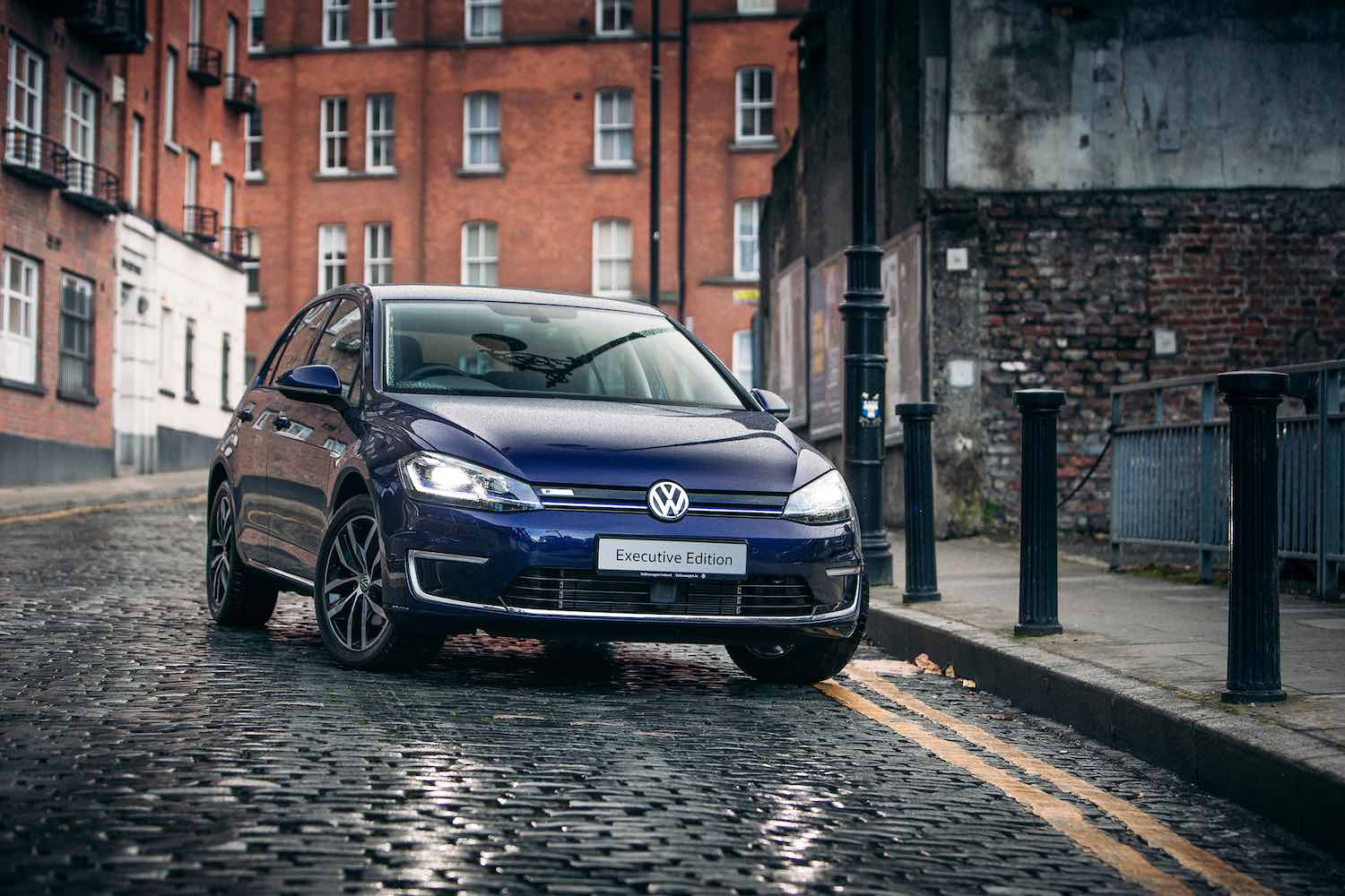 Car News | Volkswagen slashes the price of an e-Golf | CompleteCar.ie