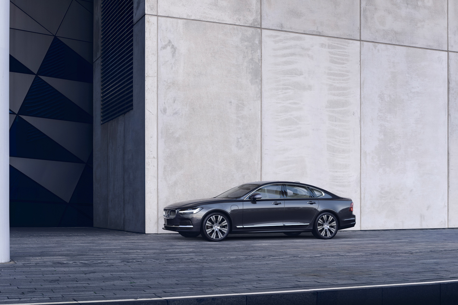 Car News | Updated Volvo S90 and V90 | CompleteCar.ie