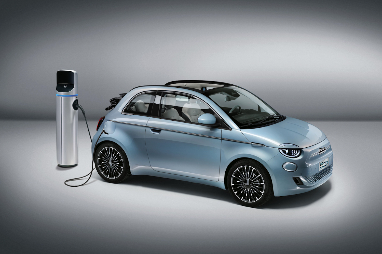 Car News | Fiat launches all-electric 500 | CompleteCar.ie