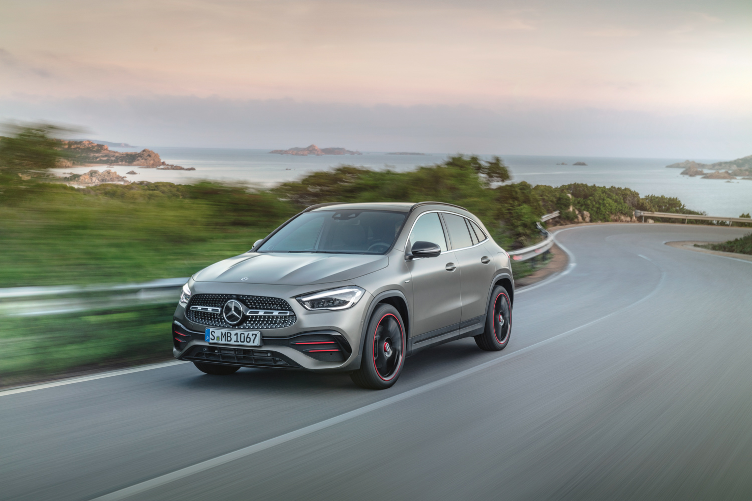 Car News | Roomier Mercedes-Benz GLA arrives in Ireland | CompleteCar.ie