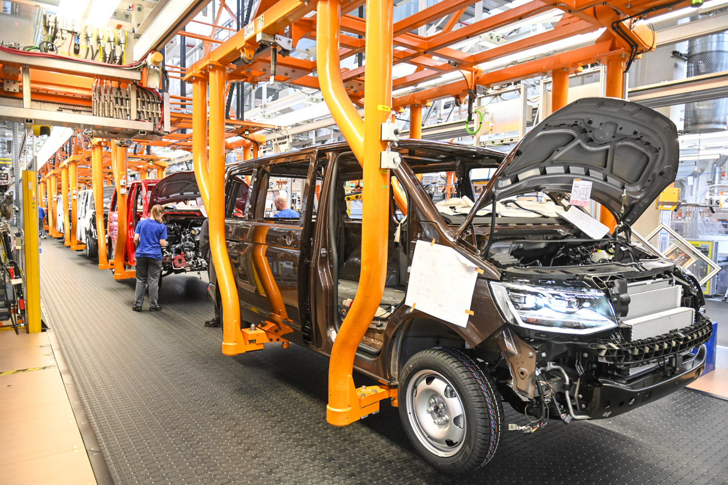 Car News | Volkswagen cautiously restarts European car production | CompleteCar.ie