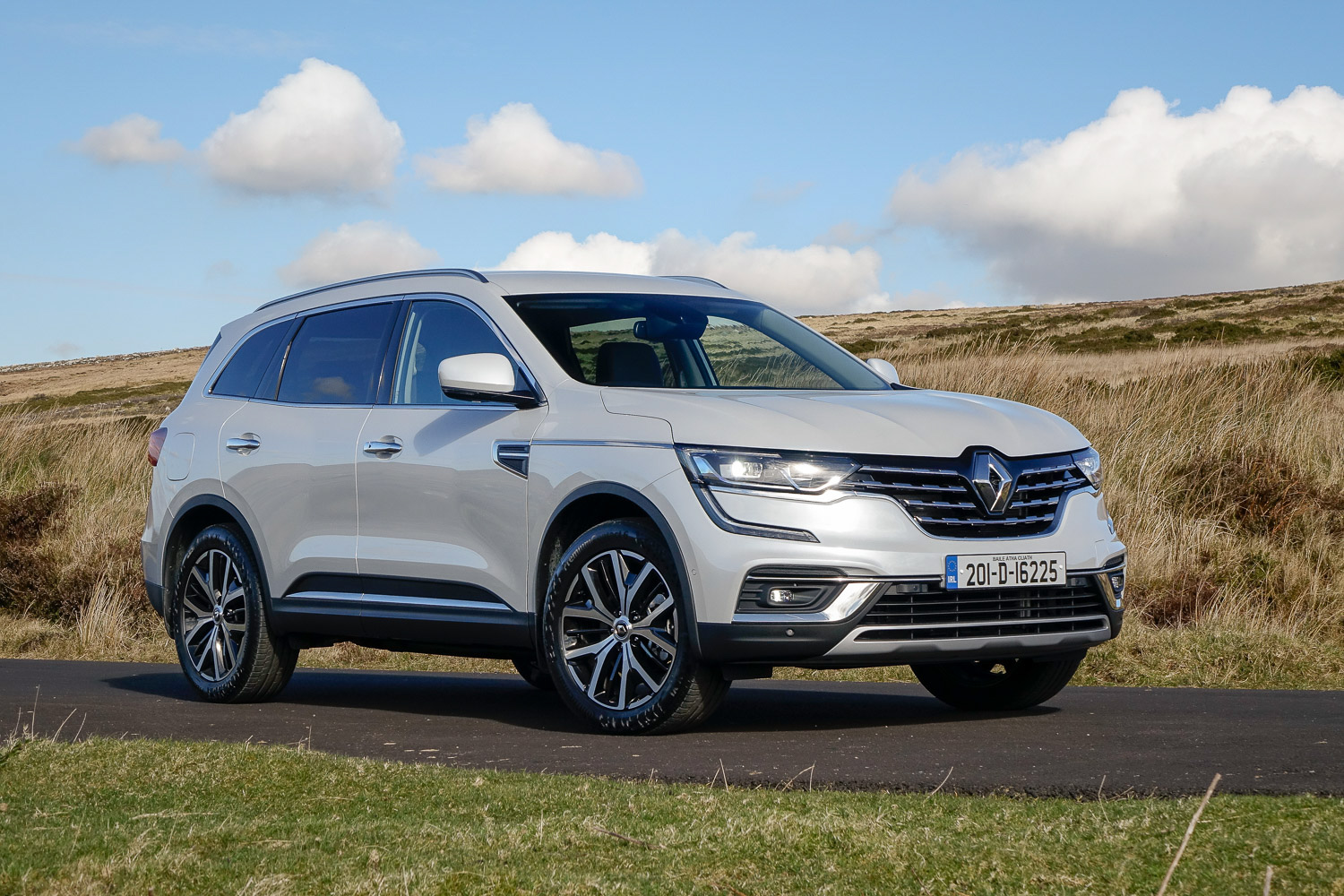 Car Reviews | Renault Koleos dCi 150 diesel (2020) | CompleteCar.ie