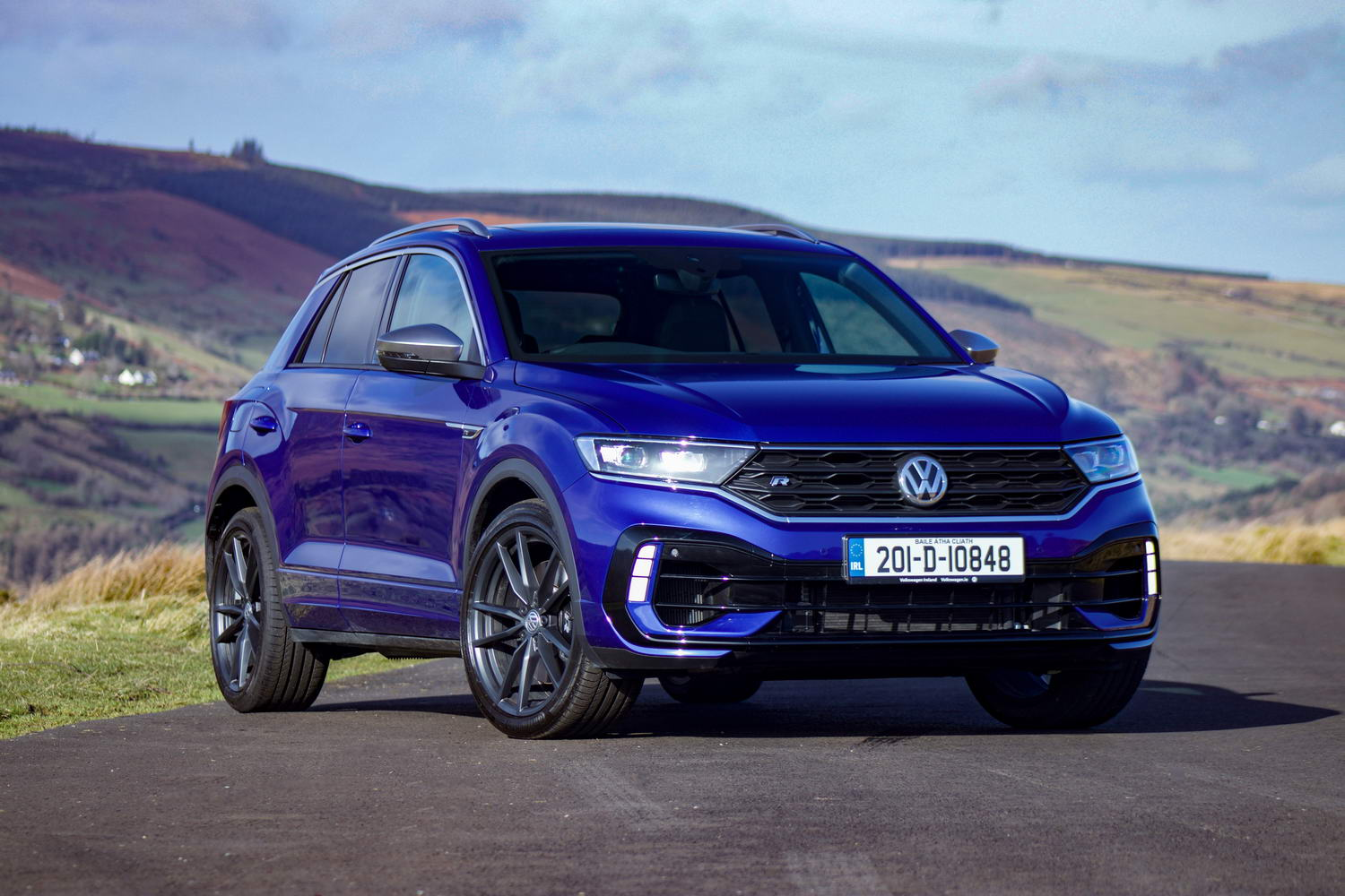 Car Reviews | Volkswagen T-Roc R (2020) | CompleteCar.ie