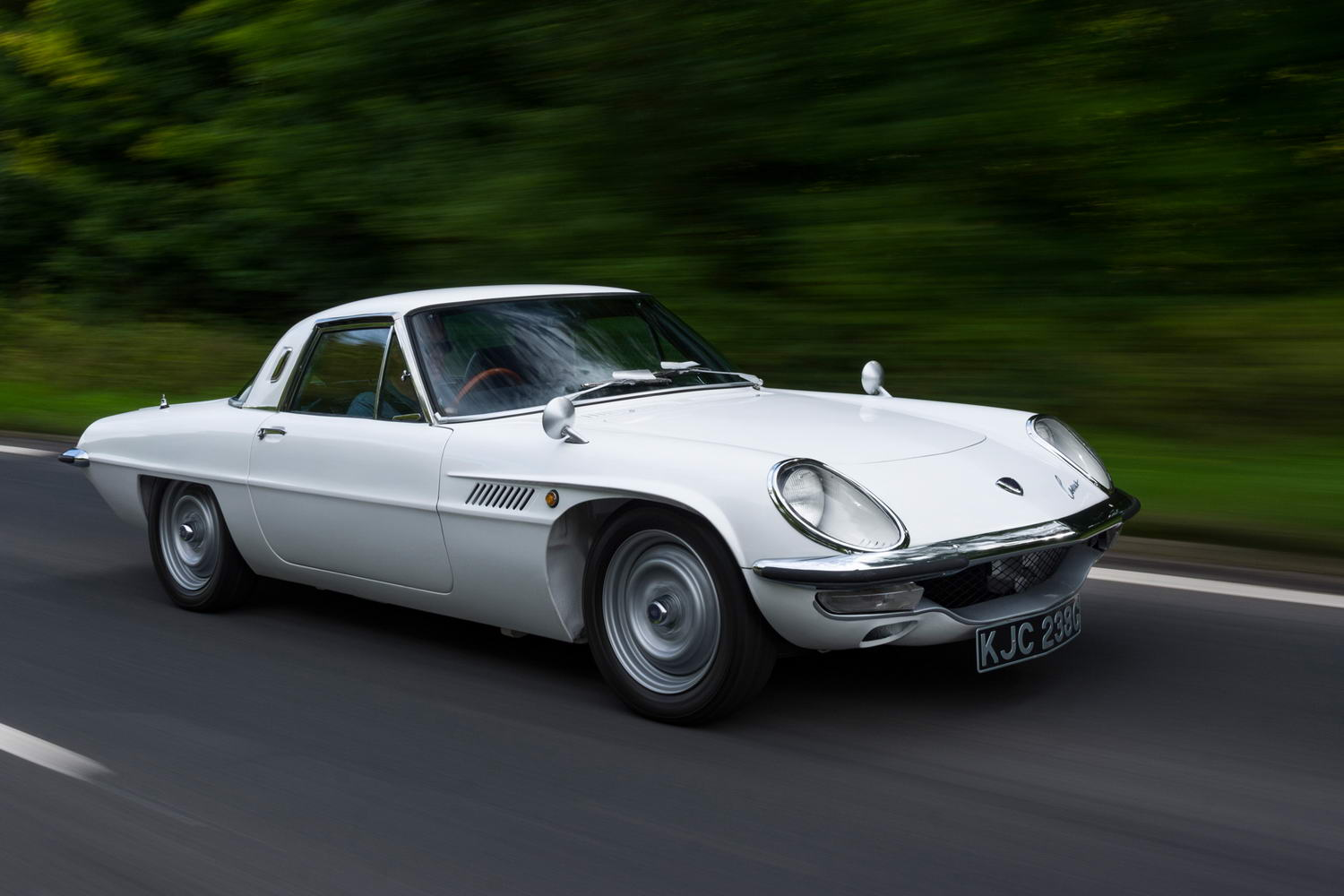 Car Reviews | Mazda Cosmo 110S (1968) | CompleteCar.ie