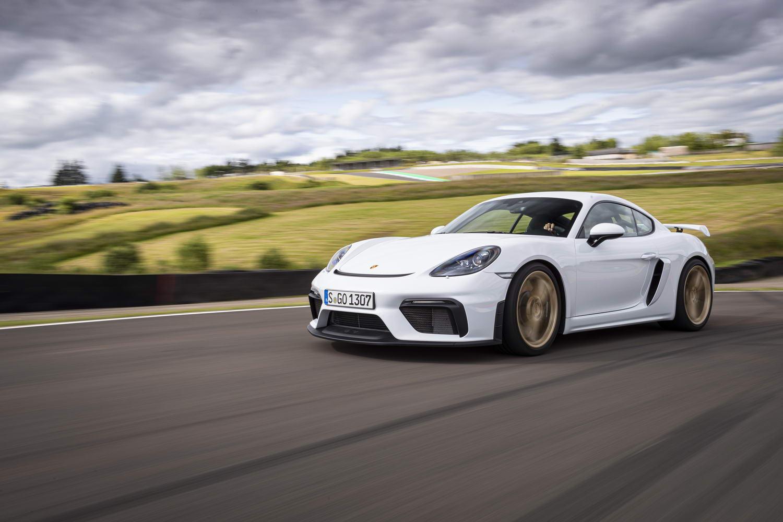Car Reviews | Porsche 718 Cayman GT4 (2020) | CompleteCar.ie