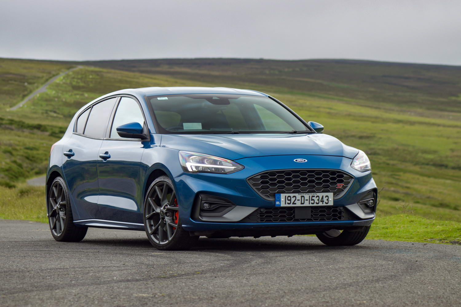 Car Reviews | Ford Focus ST hatchback (2020) | CompleteCar.ie