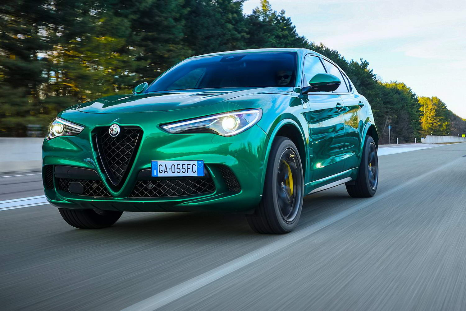 Car Reviews | Alfa Romeo Stelvio Quadrifoglio (2021) | CompleteCar.ie