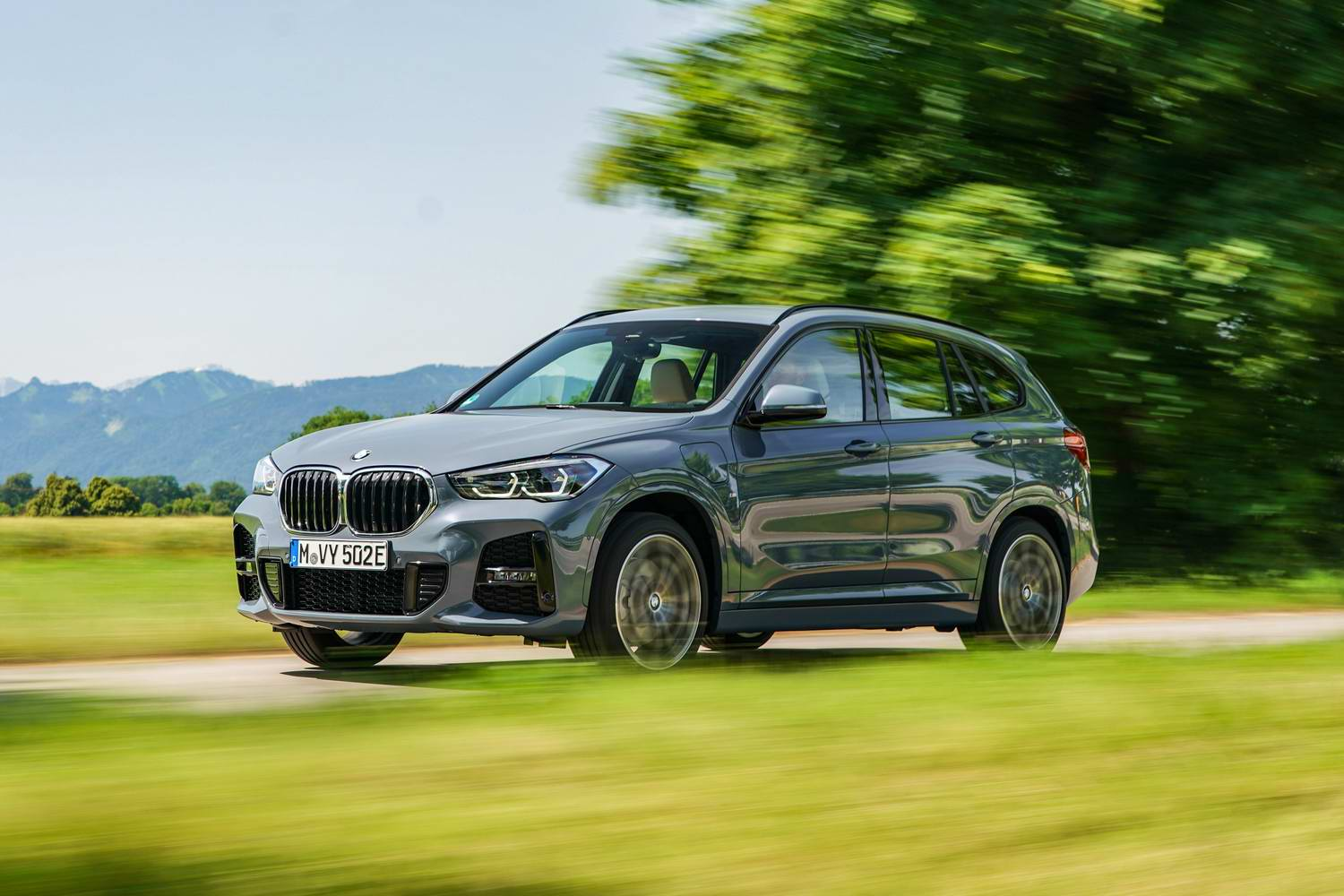 Car Reviews | BMW X1 xDrive25e hybrid (2020) | CompleteCar.ie