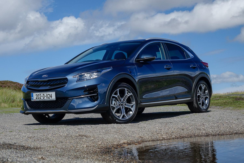Car Reviews | Kia XCeed plug-in hybrid (2020) | CompleteCar.ie