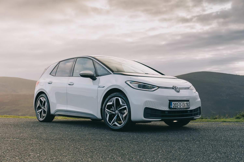 Car Reviews | Volkswagen ID.3 1st Plus (2020) | CompleteCar.ie