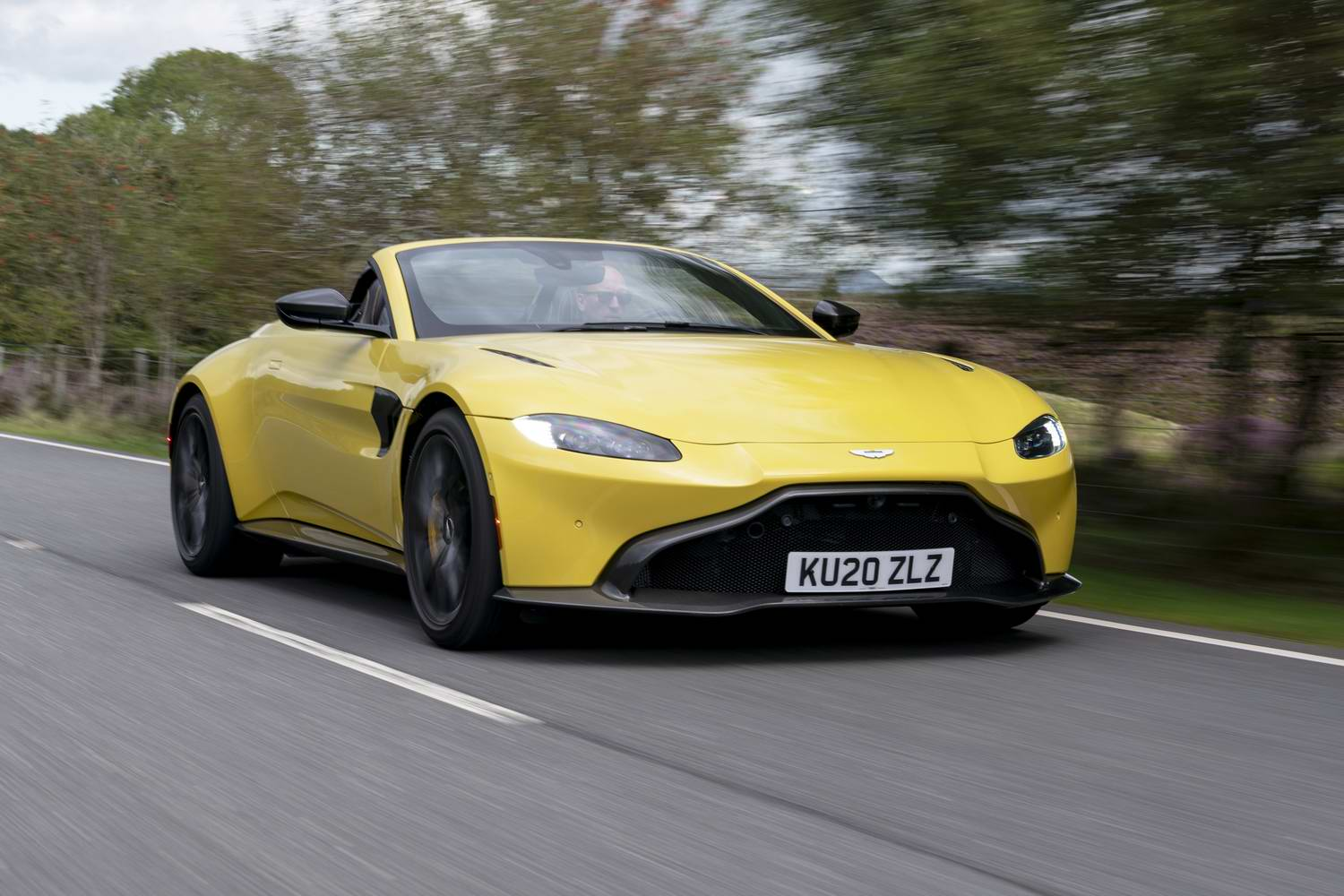 Car Reviews | Aston Martin Vantage Roadster (2021) | CompleteCar.ie