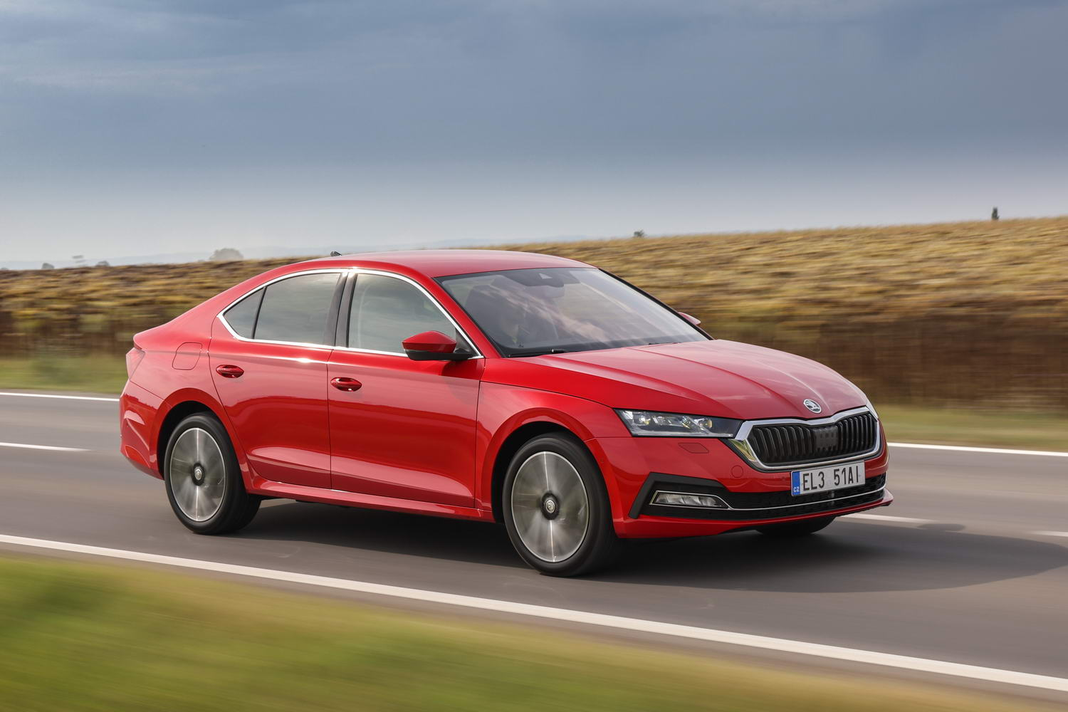 Car Reviews | Skoda Octavia iV hybrid (2021) | CompleteCar.ie