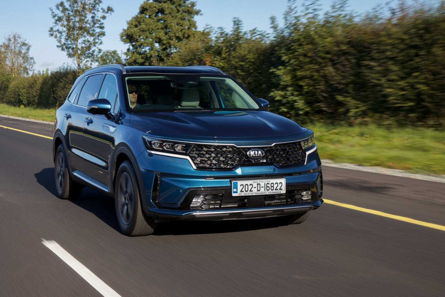Car Reviews | Kia Sorento 2.2 diesel (2020) | CompleteCar.ie