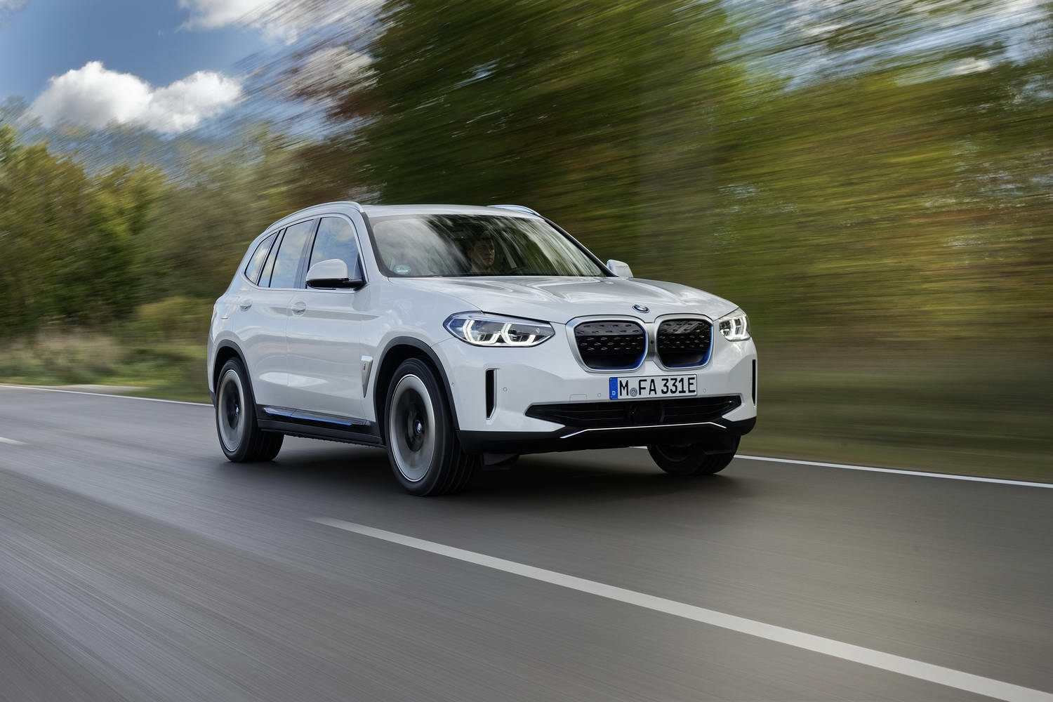 Car Reviews | BMW iX3 electric (2021) | CompleteCar.ie