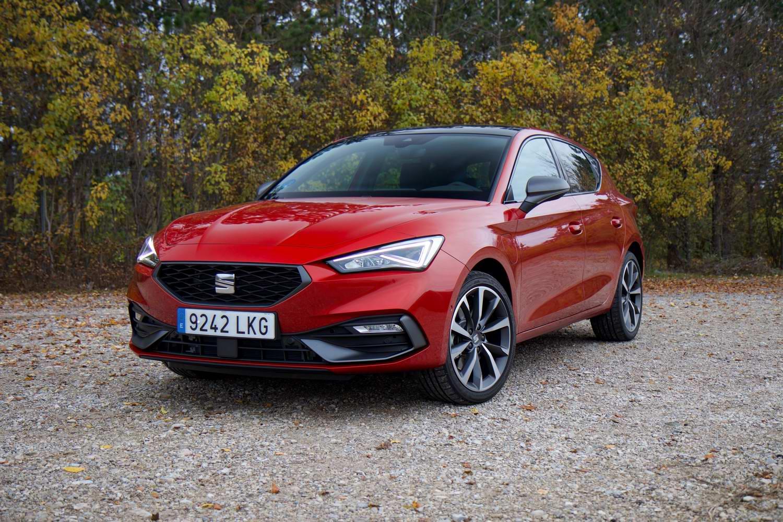 Car Reviews | SEAT Leon e-Hybrid (2021) | CompleteCar.ie
