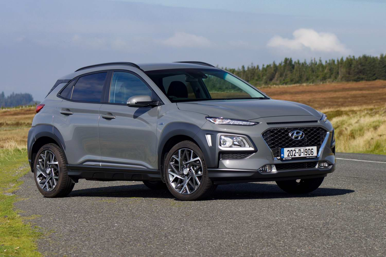 Car Reviews | Hyundai Kona Hybrid (2020) | CompleteCar.ie