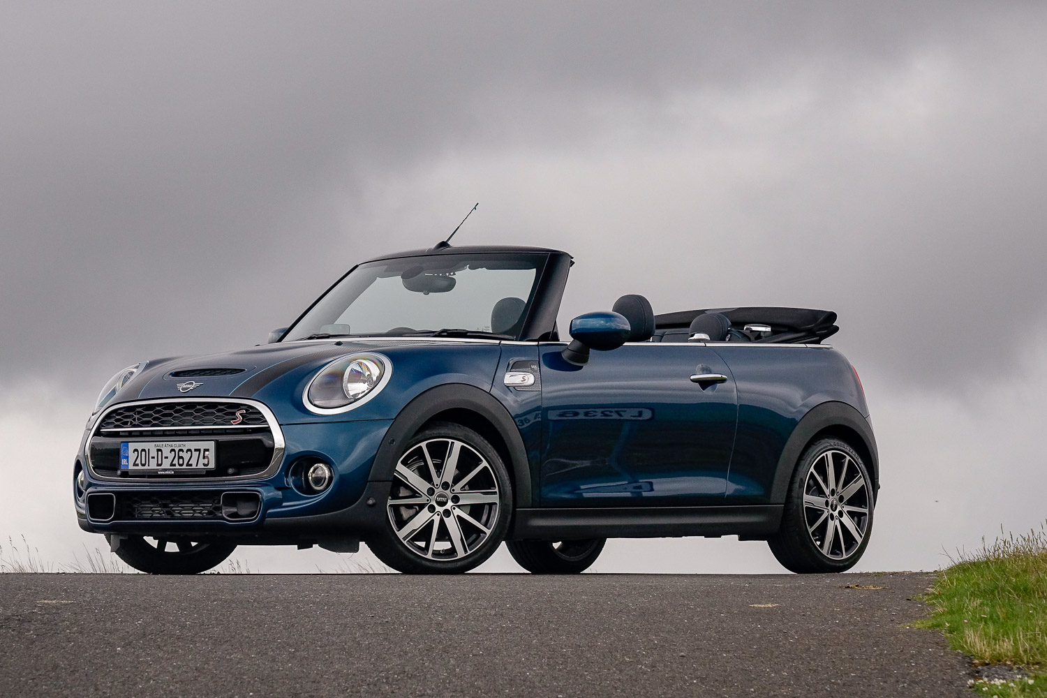 Car Reviews | MINI Cooper S Sidewalk Convertible (2020) | CompleteCar.ie