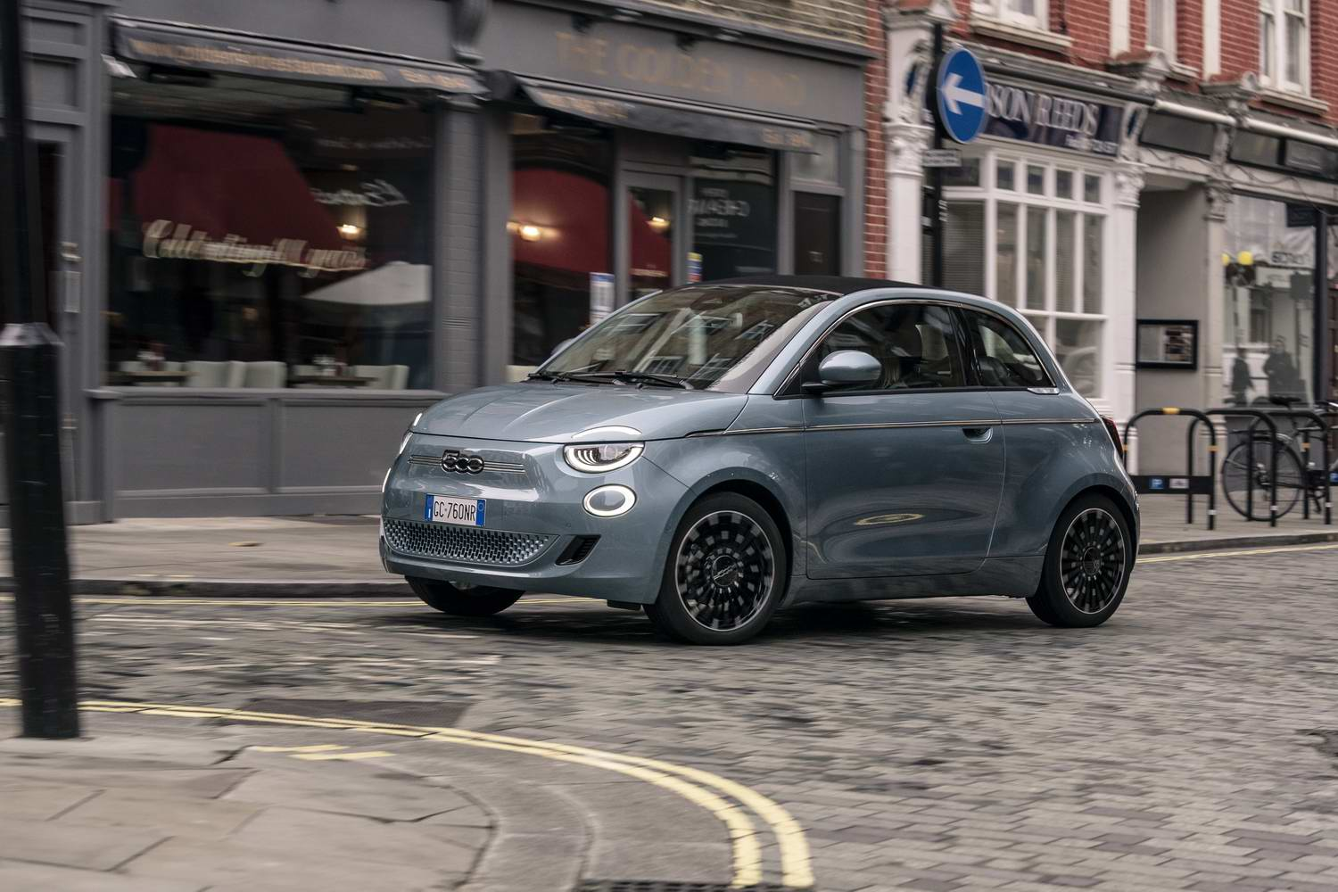 Car Reviews | Fiat 500 Icon Cabriolet electric (2021) | CompleteCar.ie