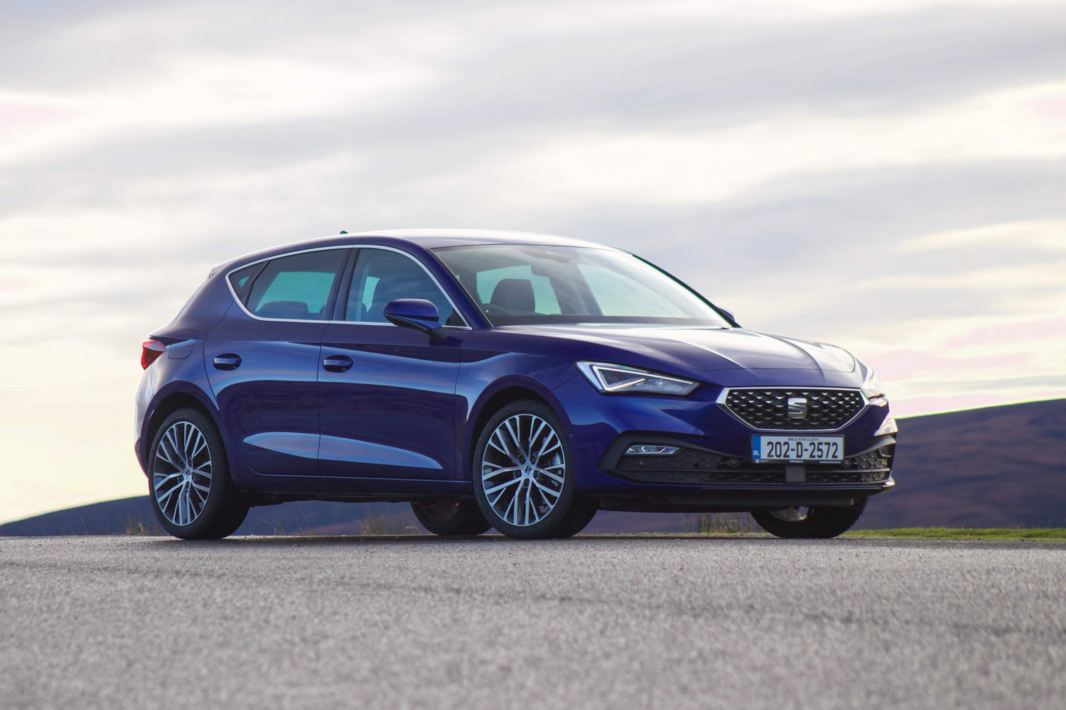 Car Reviews | SEAT Leon 1.5 TSI Xcellence (2020) | CompleteCar.ie