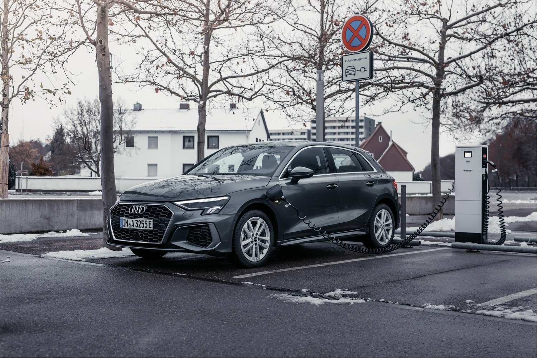 Car Reviews | Audi A3 40 TFSI e hybrid (2021) | CompleteCar.ie