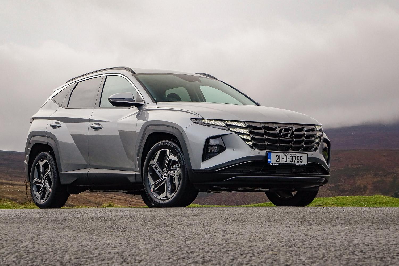 Car Reviews | Hyundai Tucson Hybrid (2021) | CompleteCar.ie