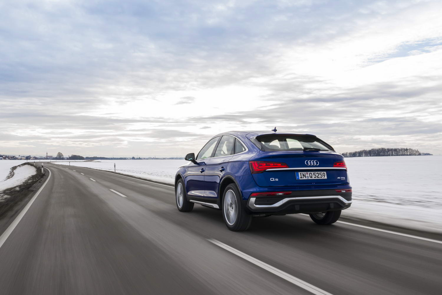 Car Reviews | Audi Q5 Sportback 45 TFSI (2021) | CompleteCar.ie
