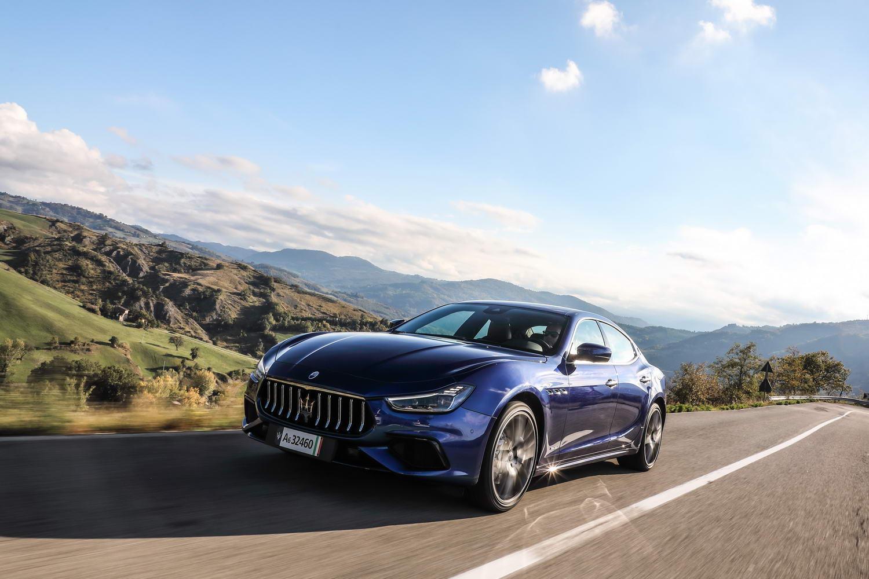 Car Reviews | Maserati Ghibli Hybrid (2021) | CompleteCar.ie