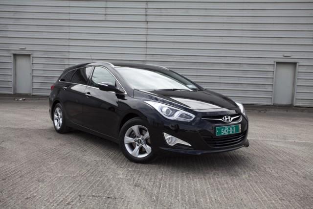 Car Reviews | Hyundai i40 | CompleteCar.ie