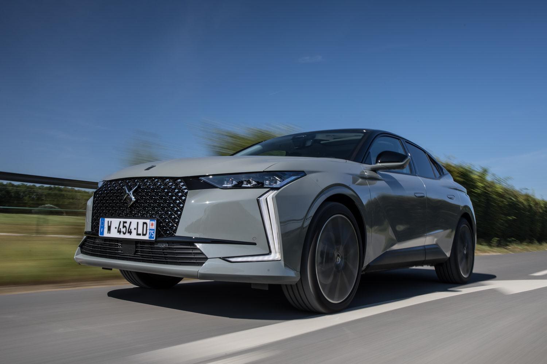 Car Reviews | DS 4 E-Tense hybrid (2022) | CompleteCar.ie