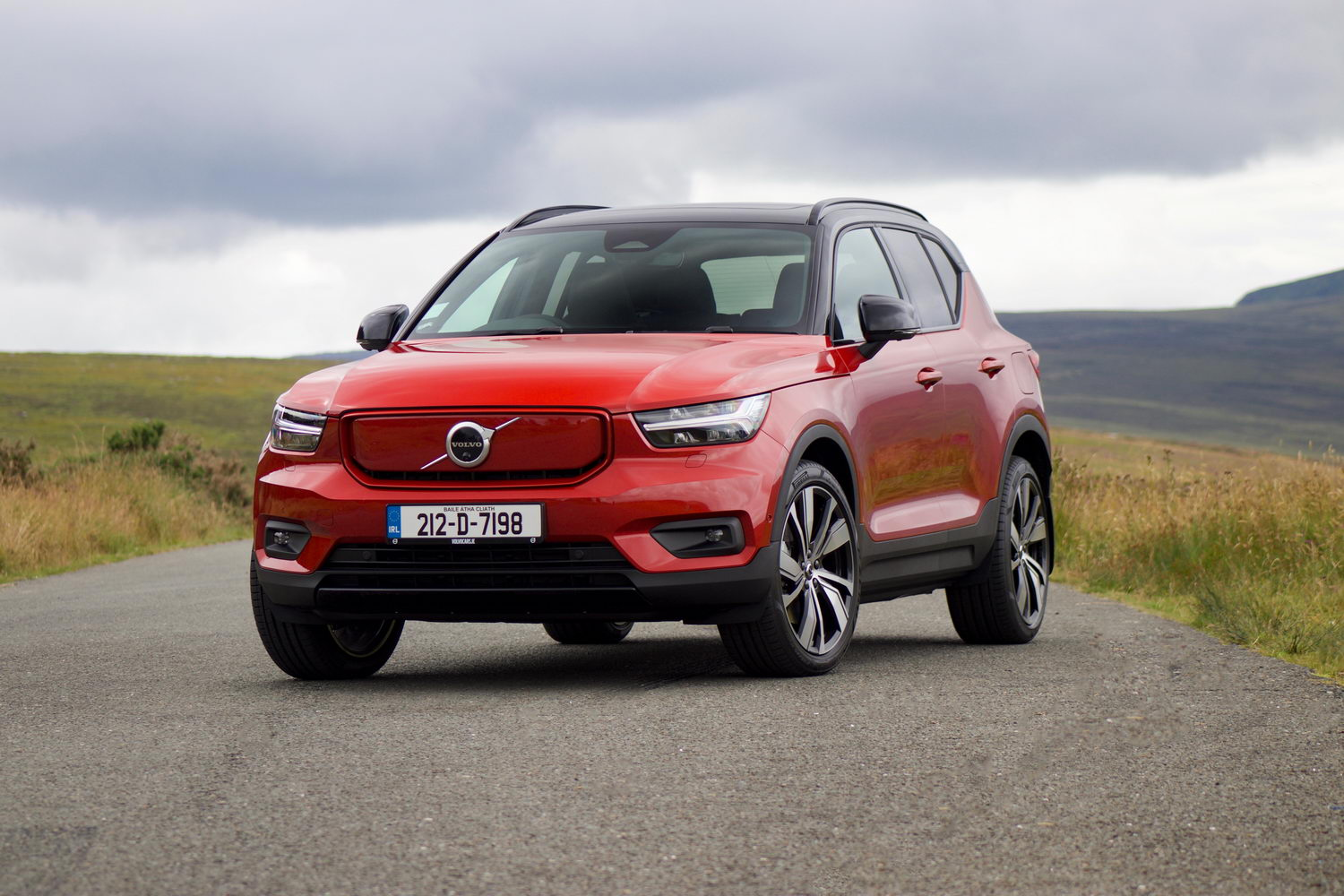 Car Reviews | Volvo XC40 Recharge Twin (2021) electric | CompleteCar.ie