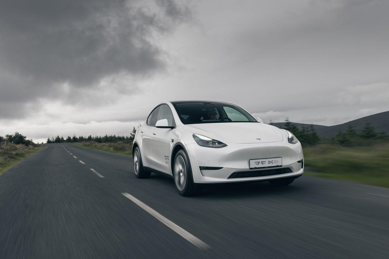 Car Reviews | Tesla Model Y Long Range (2022) | CompleteCar.ie