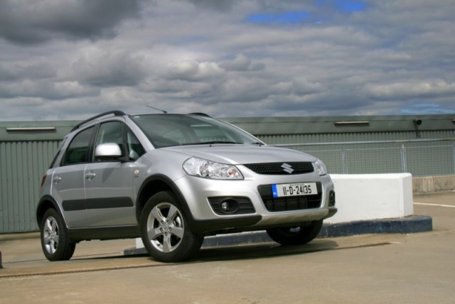 Car Reviews | Suzuki SX4 | CompleteCar.ie
