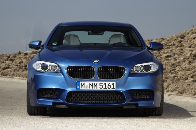 Car Reviews | BMW M5 | CompleteCar.ie