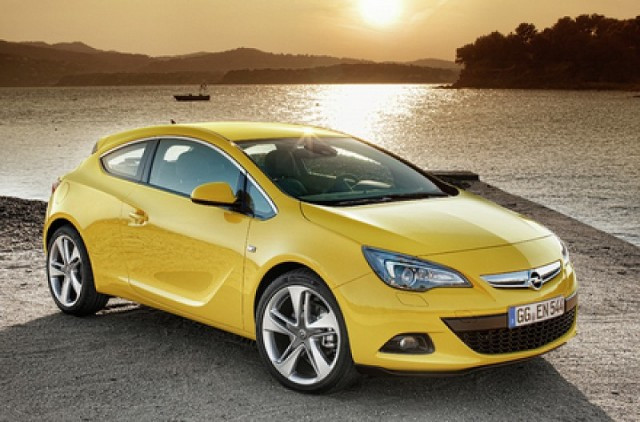 Car Reviews | Opel Astra GTC | CompleteCar.ie