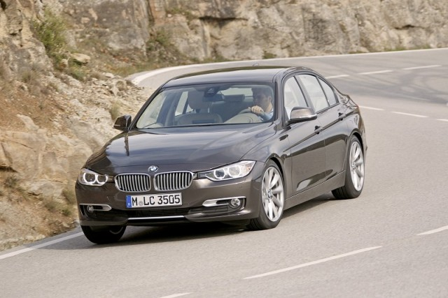 Car Reviews | BMW 3 Series | CompleteCar.ie
