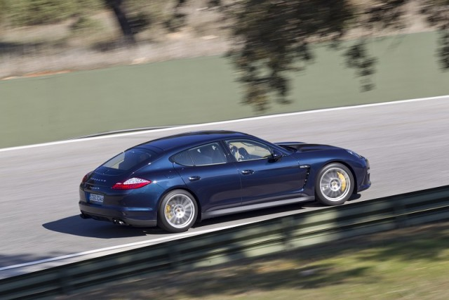Car Reviews | Porsche Panamera GTS | CompleteCar.ie