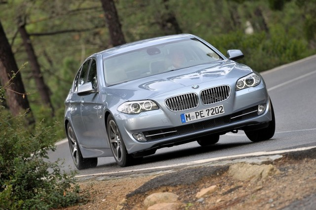 Car Reviews | BMW ActiveHybrid 5 | CompleteCar.ie