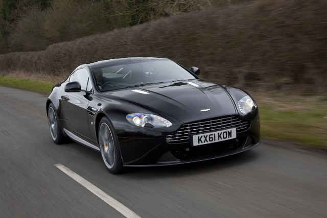 Car Reviews | Aston Martin V8 Vantage | CompleteCar.ie