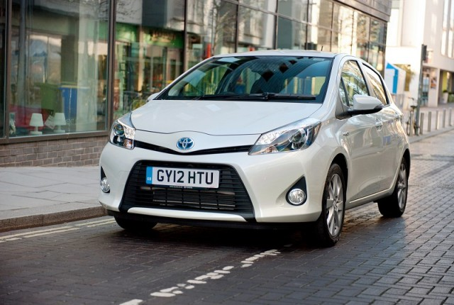 Car Reviews | Toyota Yaris Hybrid | CompleteCar.ie