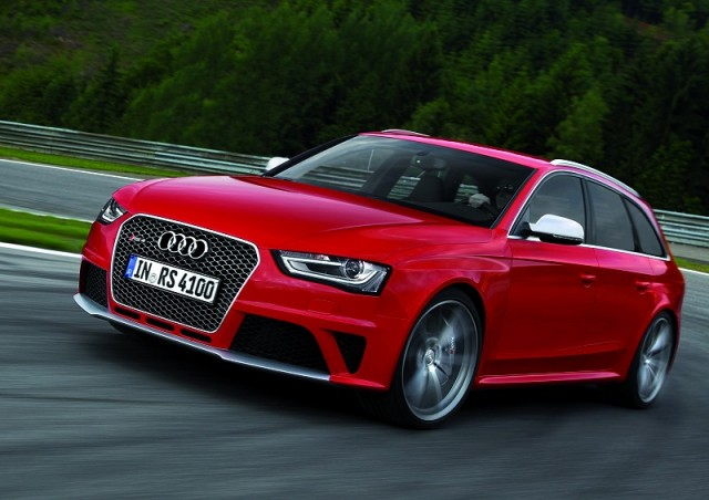 Car Reviews | Audi RS 4 Avant | CompleteCar.ie