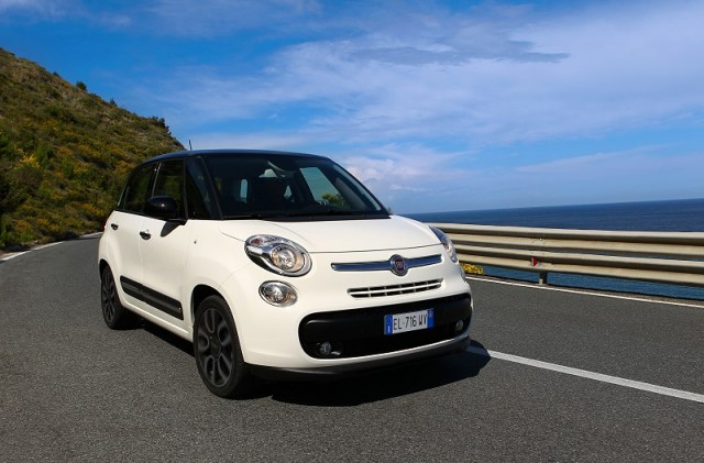 Car Reviews | Fiat 500L | CompleteCar.ie