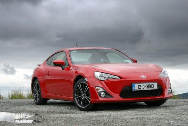Car Reviews | Toyota GT86 | CompleteCar.ie