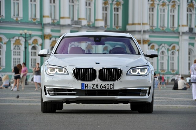 Car Reviews | BMW 7 Series | CompleteCar.ie
